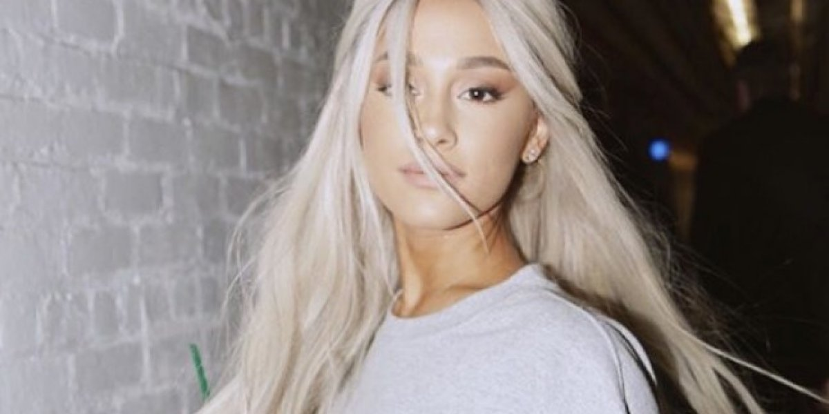 Comprometida la cantante Ariana Grande