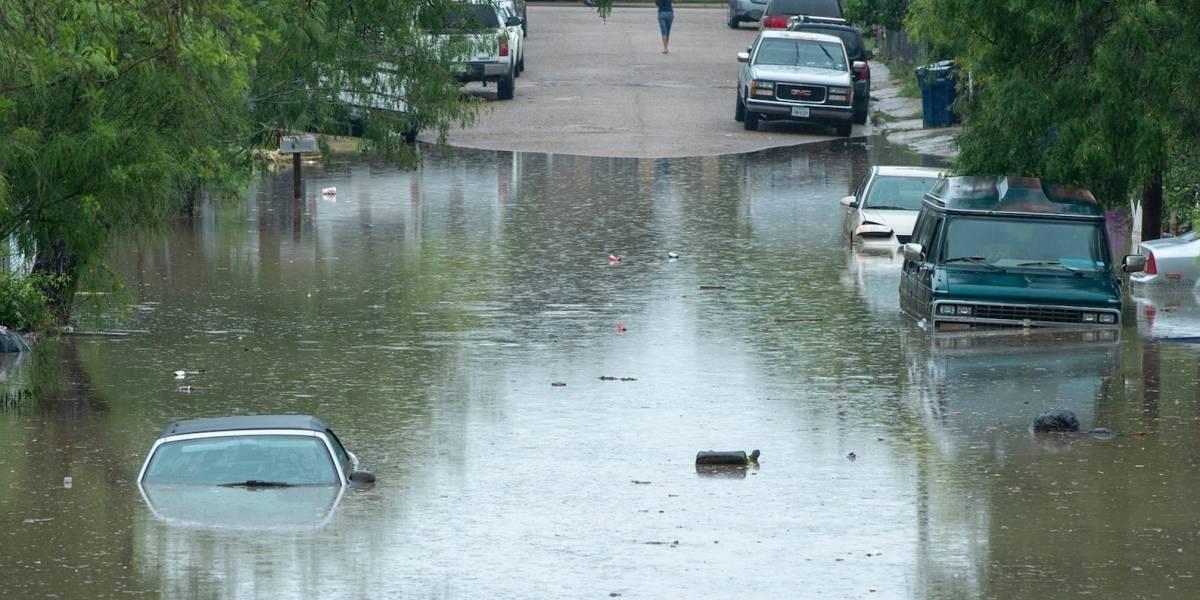 Más de 200 rescates en zona inundada de Texas