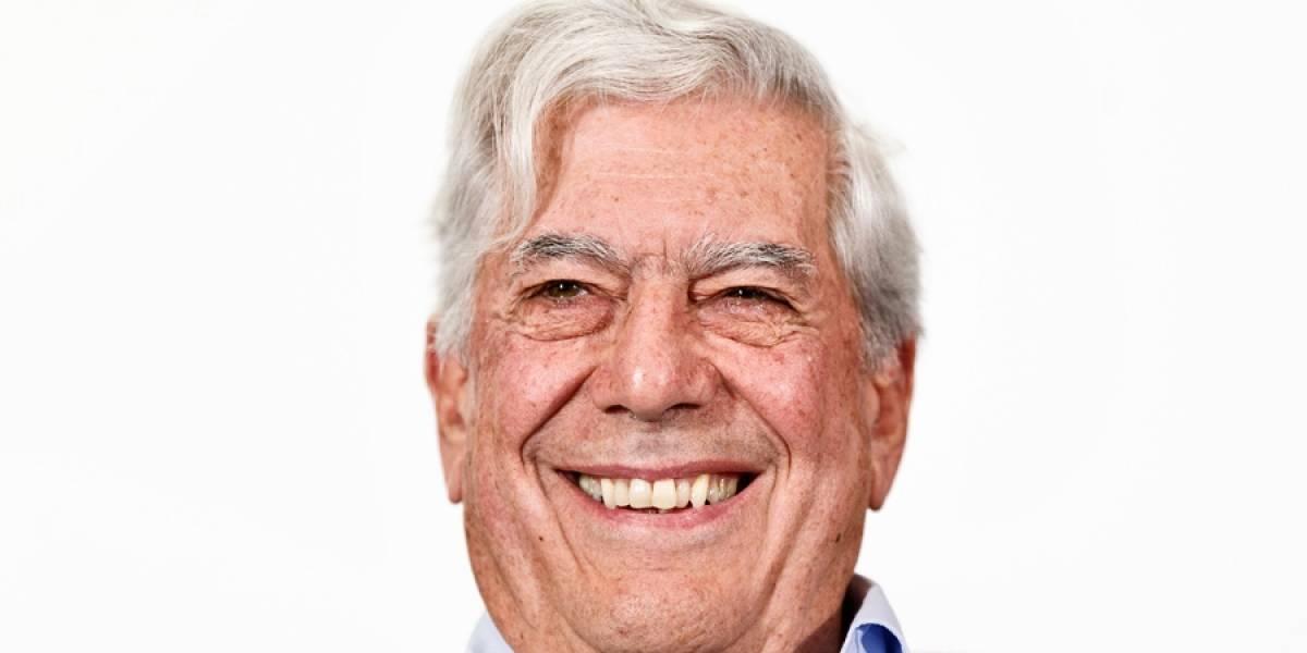 Mario Vargas Llosa es hospitalizado tras sufrir caída en su casa