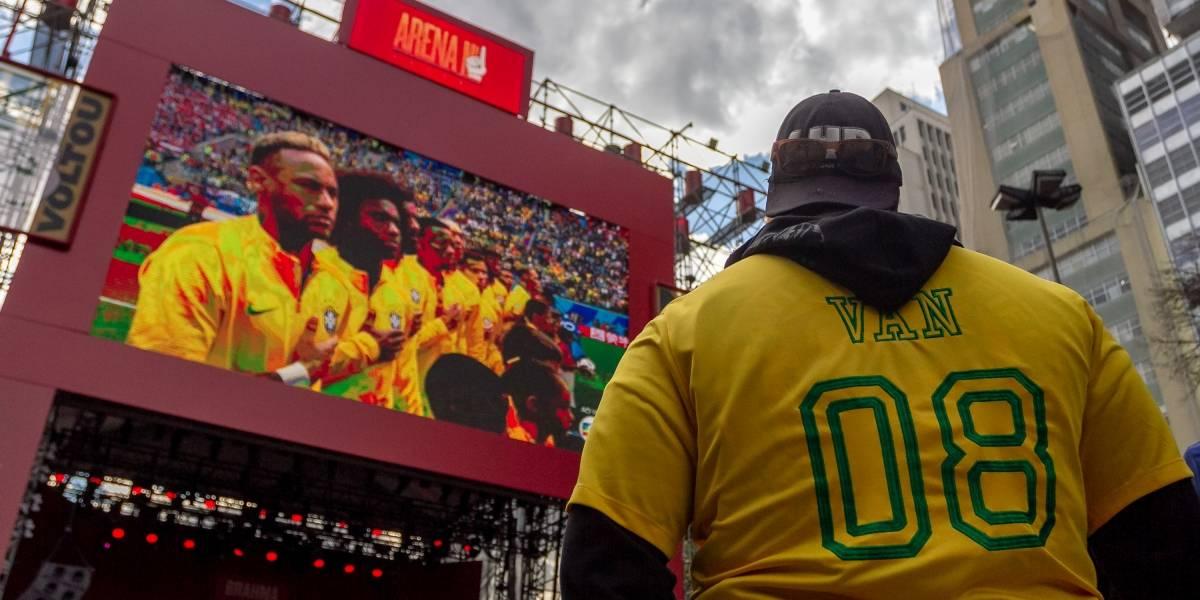 Jogo do Brasil reúne 18 mil pessoas no Vale do Anhangabaú em São Paulo