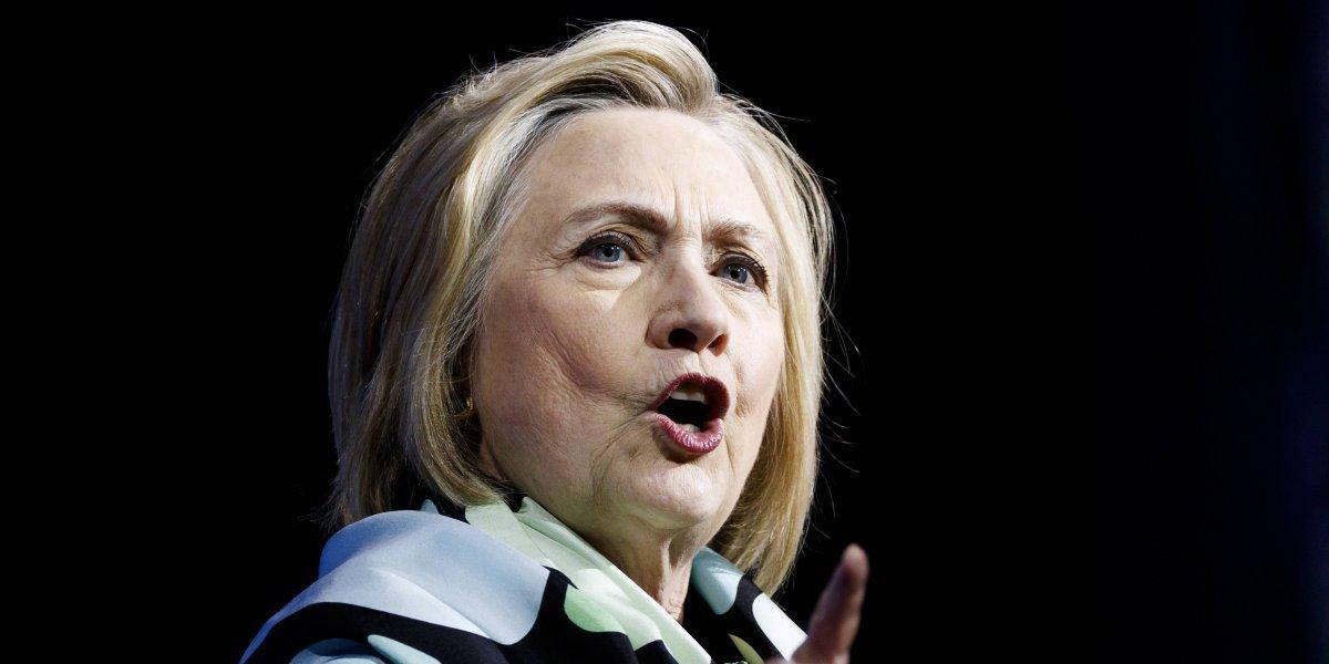 """Hillary Clinton avisa contra los intentos de crear sociedades """"autoritarias"""""""
