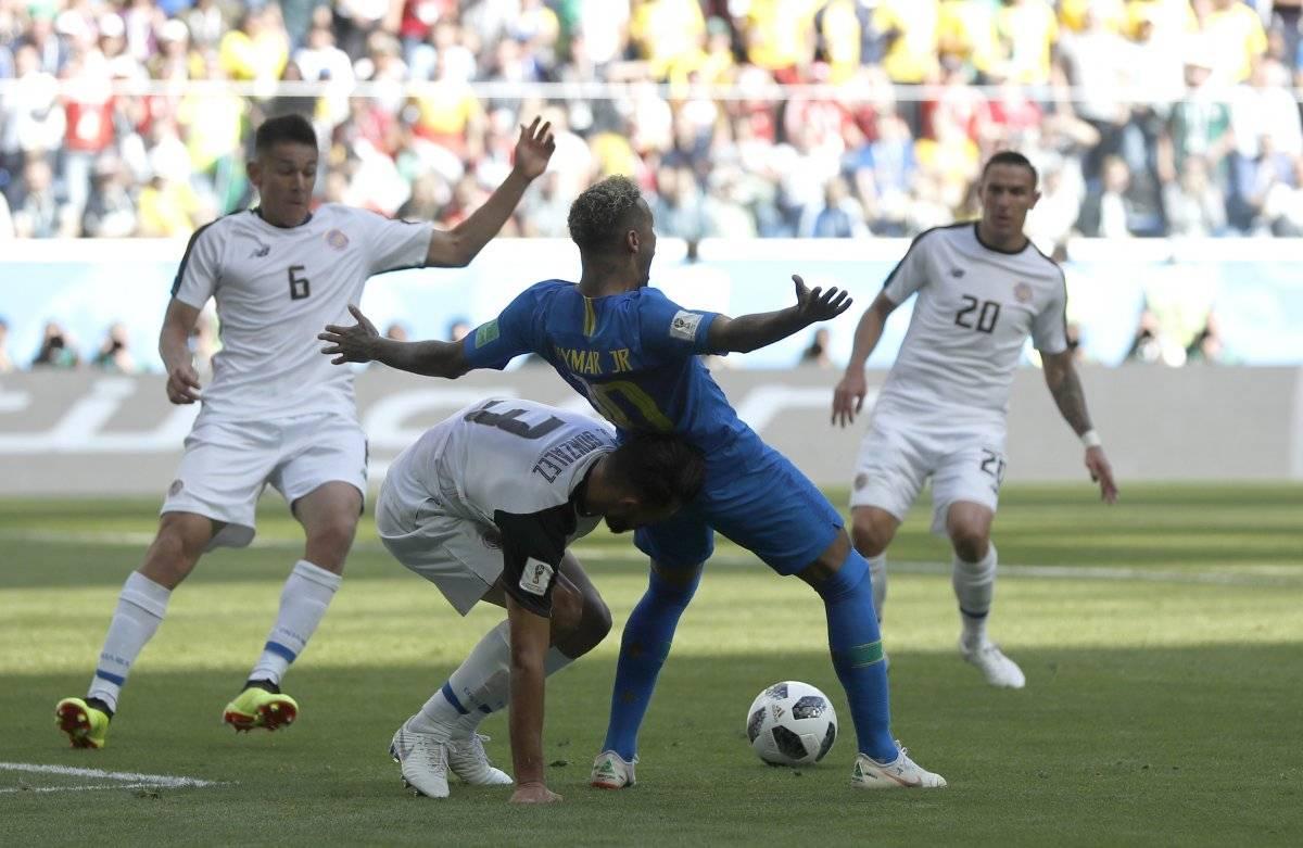 El VAR quito el penal a Neymar