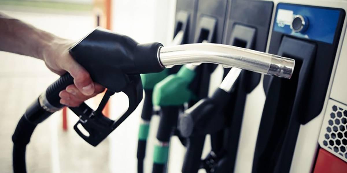 Bajan precios de los combustibles entre 1 y 4 pesos