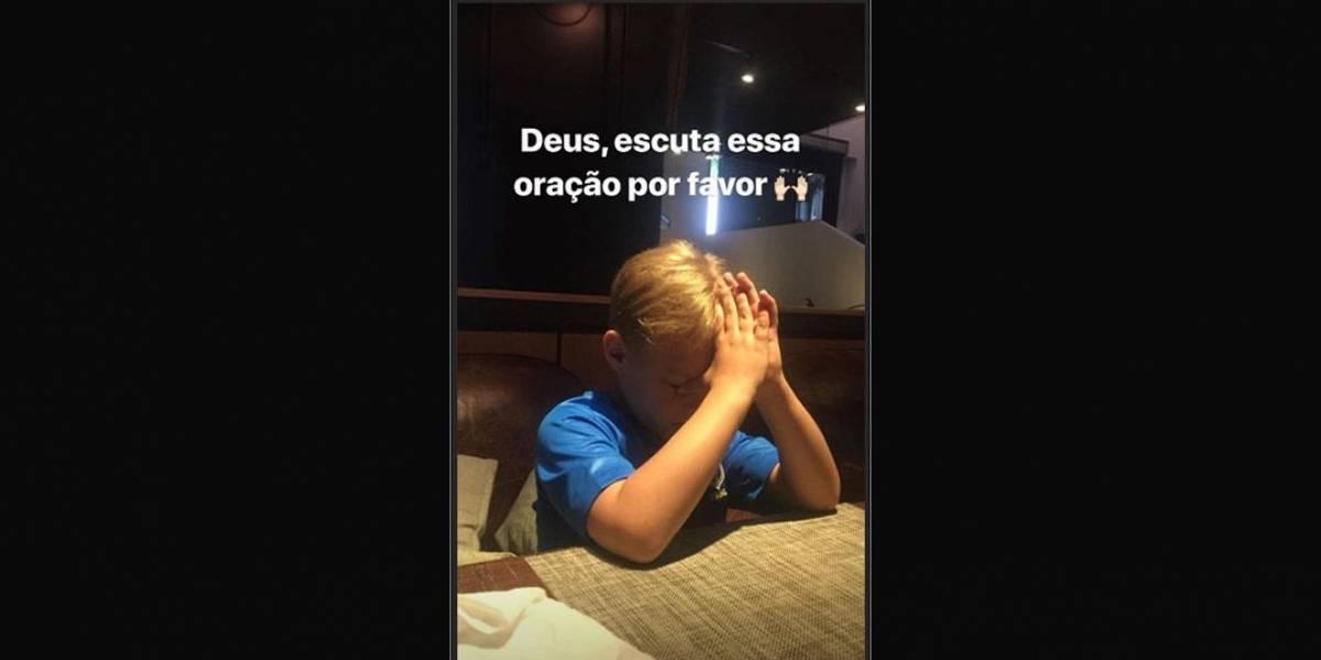 Filho de Neymar faz oração e aprova gol: Gostei muito