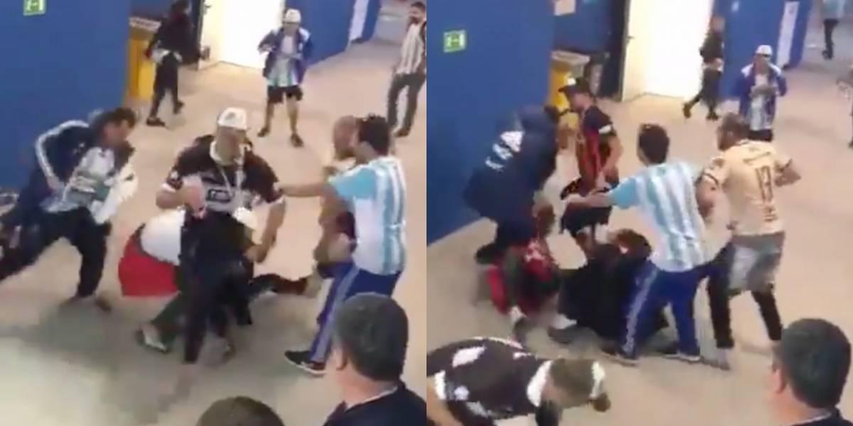 ¡Indignante! Hinchas argentinos patearon a fanático croata