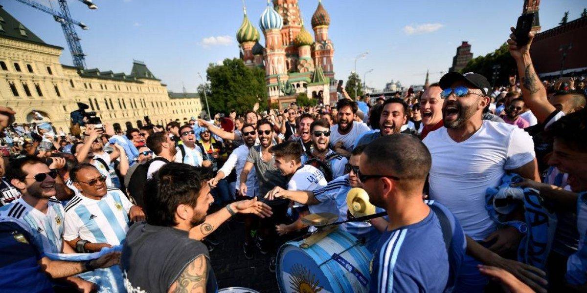 Así tampoco van a clasificar: la vergonzosa agresión de los argentinos contra un hincha croata en Rusia 2018