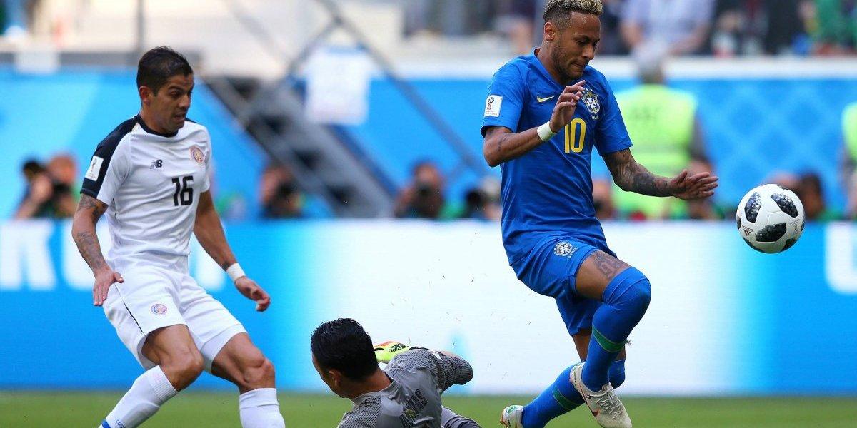 Brasil rescata la victoria ante Costa Rica y lo deja matemáticamente eliminado