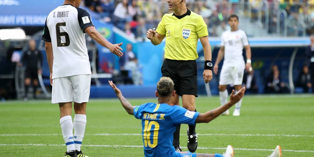 El VAR reprendió la picardía de Neymar