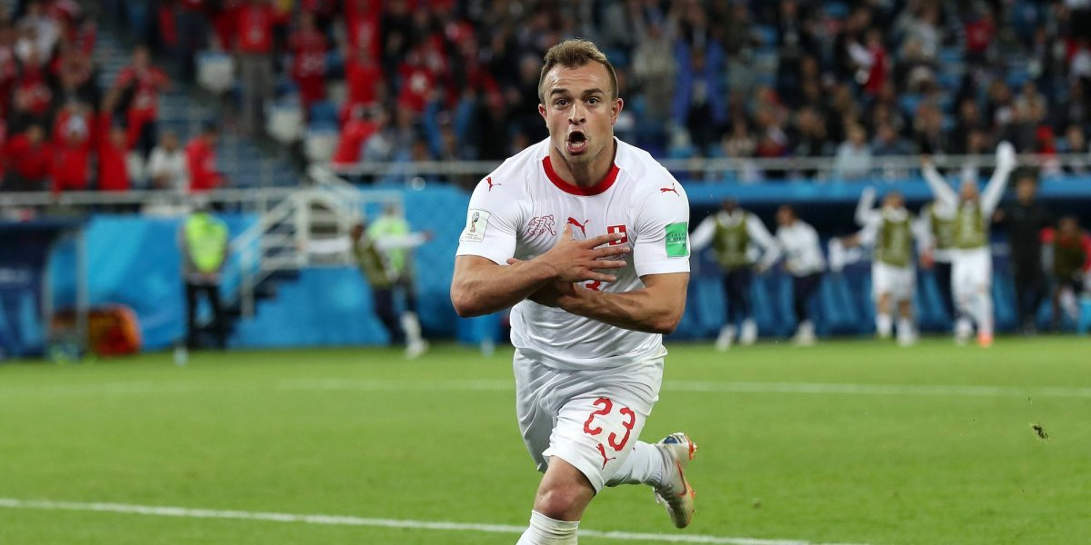 Xherdan Shaqiri le da la victoria a Suiza