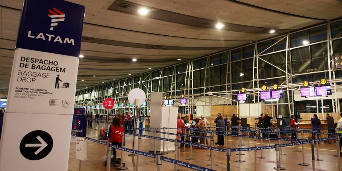 """Latam defiende alianzas con otras aerolíneas: """"Chile no debe quedar fuera de estos acuerdos que significan más destinos y precios bajos"""""""