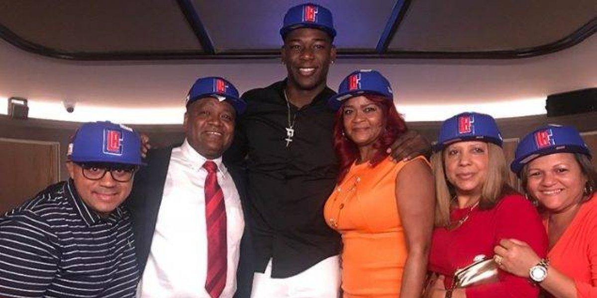 El dominicano Ángel Delgado firma para la NBA con los Ángeles Clippers