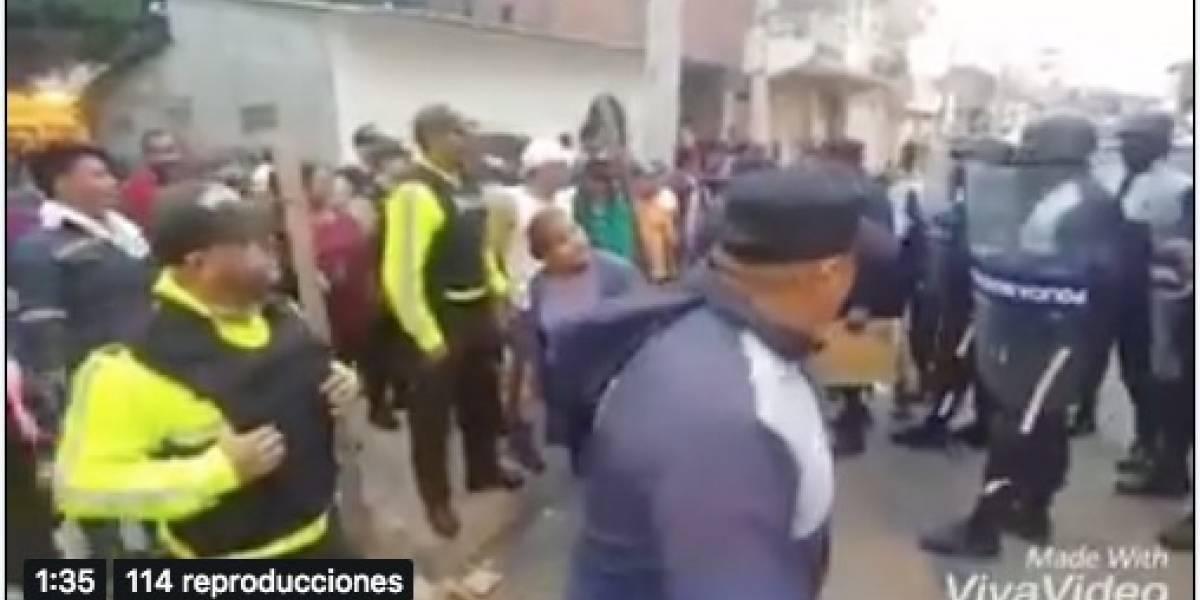 Un herido tras incidentes entre comerciantes y policías metropolitanos en Durán