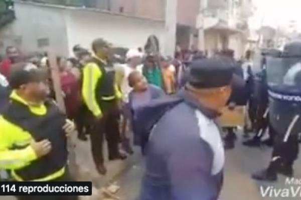 Incidentes entre comerciantes y policías metropolitanos en Durán