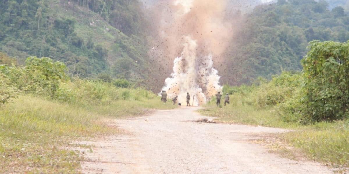Autoridades destruyen pista clandestina de aterrizaje usada por narcos