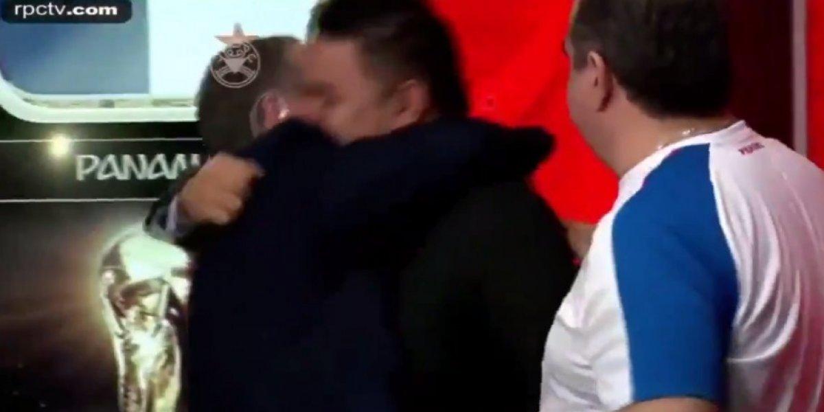 VIDEO: Comentaristas panameños rompen en llanto al escuchar su Himno Nacional