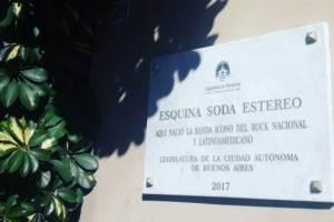 """""""No saben nada de nada, pero nada"""": homenajearon a Soda Stereo en Argentina y cuando descubrieron la placa terminaron haciendo otro papelón"""