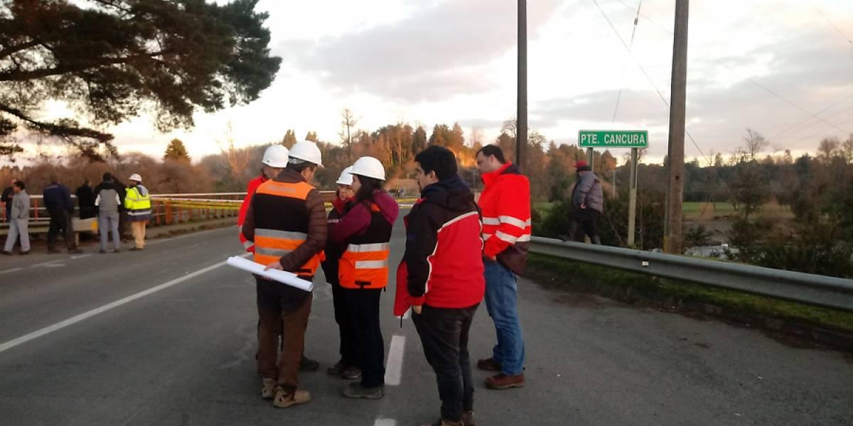 """""""Puente"""" en Cancura estaba en reparación: ministro de obras públicas denunció que la mantención comenzó en enero"""