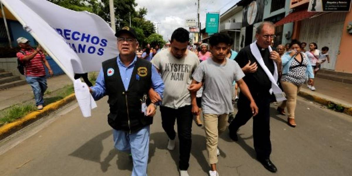 Obispos convocan a reanudar el lunes diálogo en Nicaragua