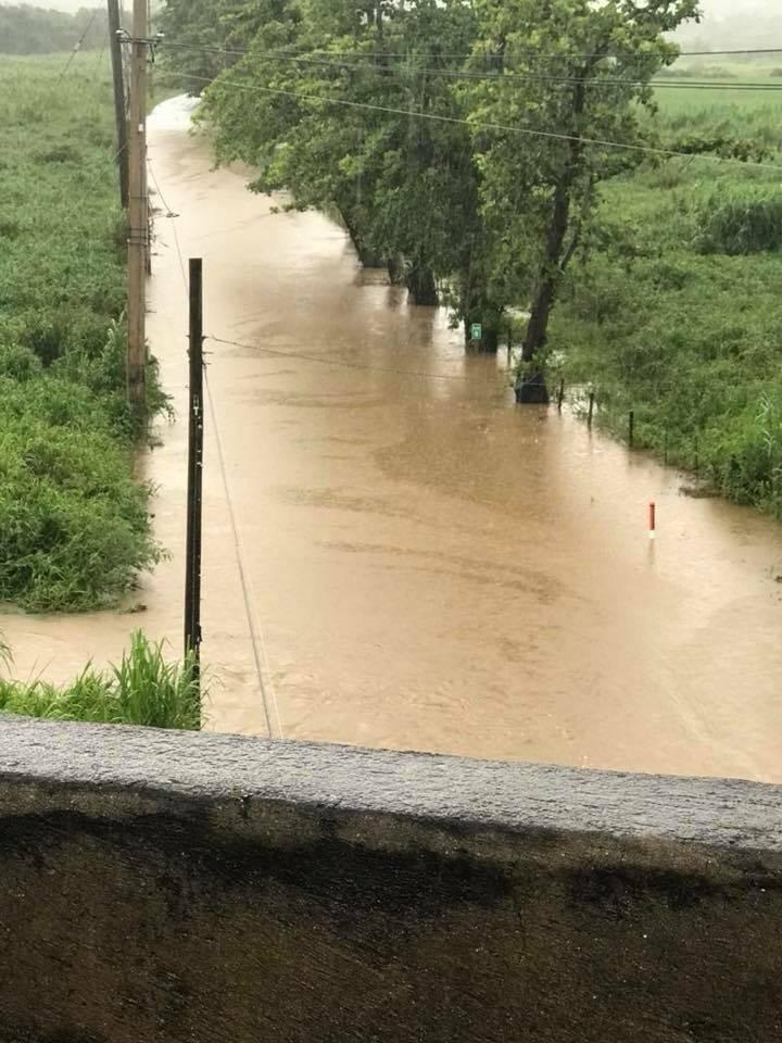 Inundación en carretera de Naguabo