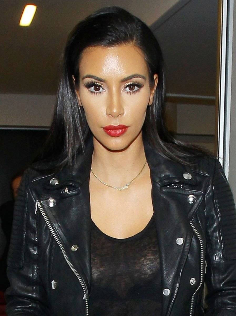 Kim Kardashian labios rojos