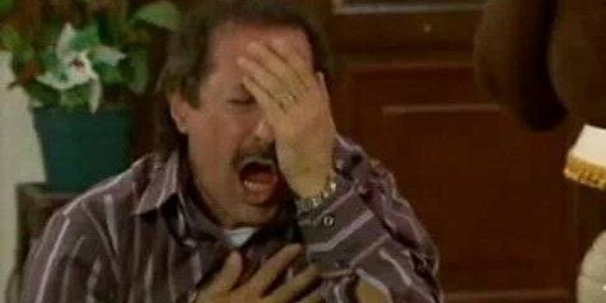 """Con memes celebran la victoria de México, """"el Piojo"""" Herrera fue el invitado"""