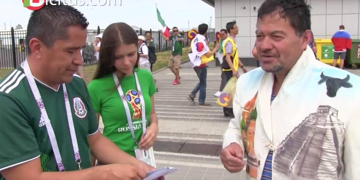 VIDEO: Mexicano regala boleto a aficionado que viajó sin dinero ni entradas