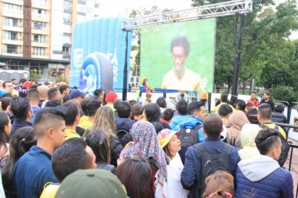 Colombia vs Inglaterra pantallas gigantes