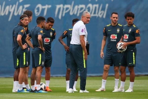 seleção treino pós vitória Tite