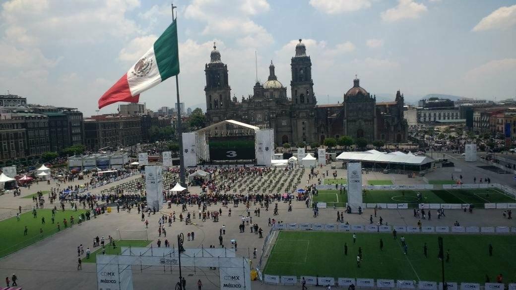 El Torneo de Futbolito Minigolf MX en el Zócalo de la CDMX
