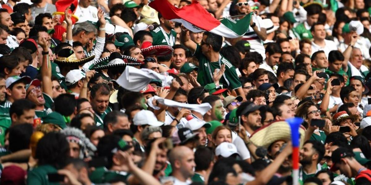 VIDEO: Aficionado mexicano recoge la basura en Rusia 2018