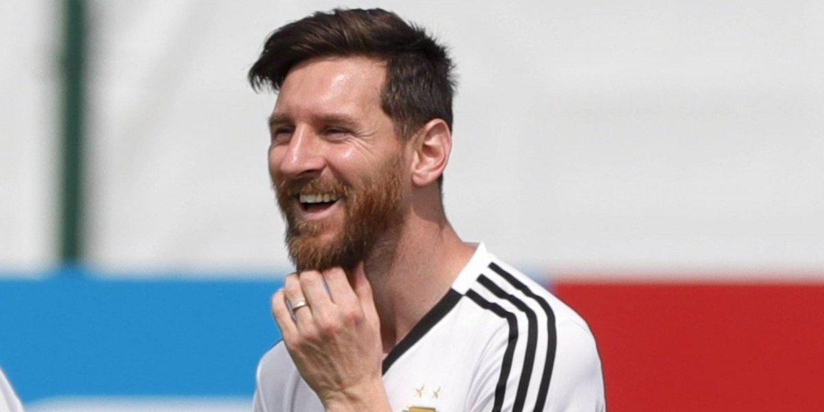 Messi celebra sus 31 años en medio de crisis futbolística