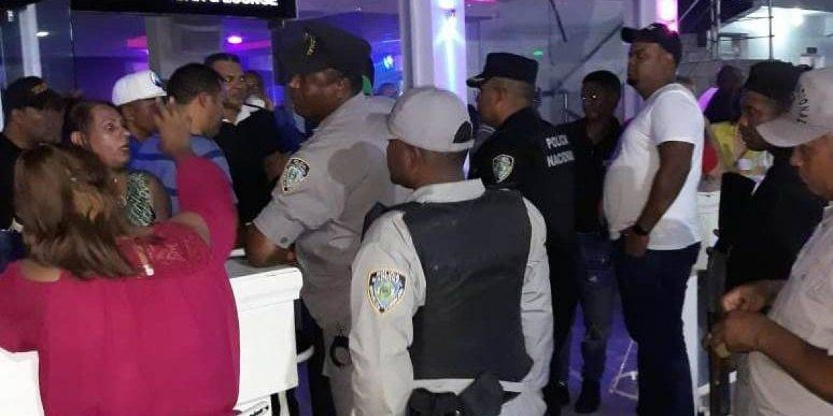 Autoridades detienen 16 personas e incautan bocinas y armas durante operativos en Nagua