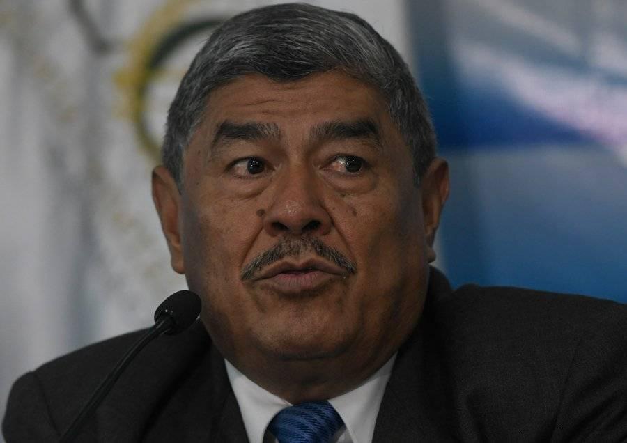 Carlos Mencos.