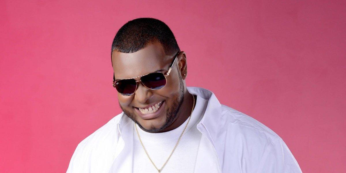Davis Daniel promociona temas inéditos de salsa