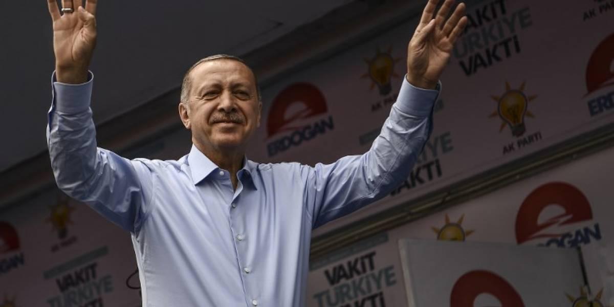 Erdoganencabeza los comicios y se acerca a la reelección en Turquía