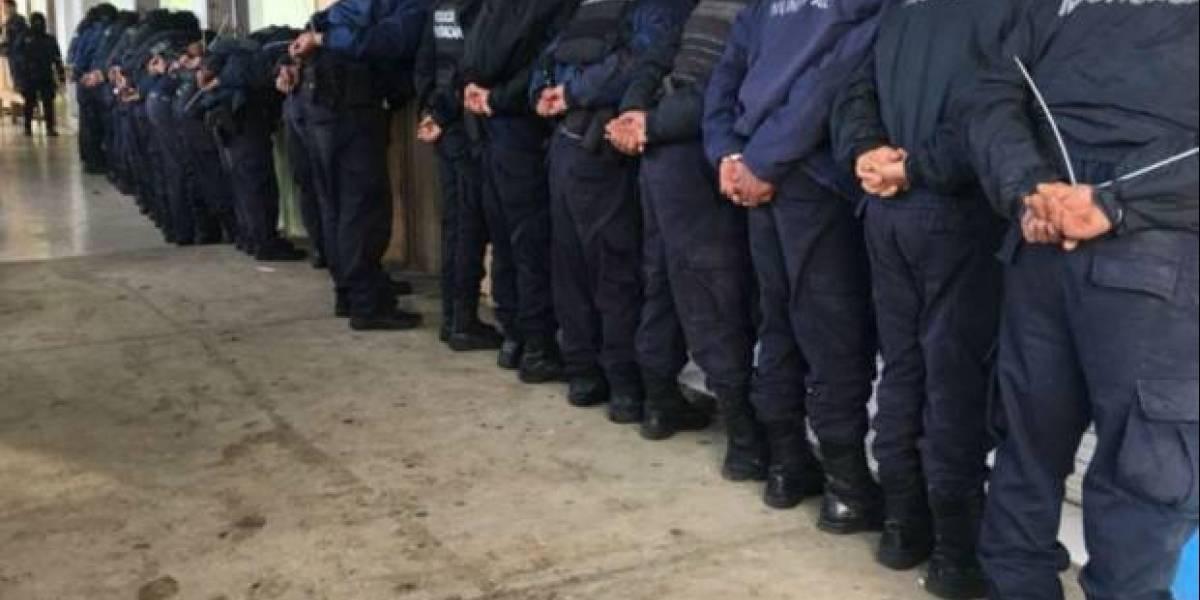 Detienen a 30 policías de Ocampo por presunto vínculo con asesinato de candidatos