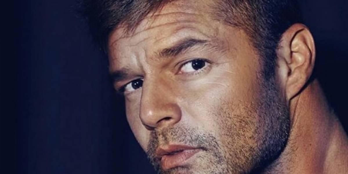 Ricky Martin sorprende con foto sin camisa