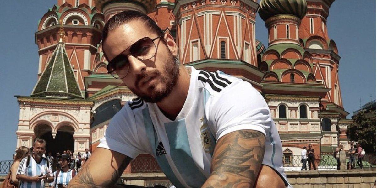 VIDEO: Llueven críticas a Maluma por video con Maradona