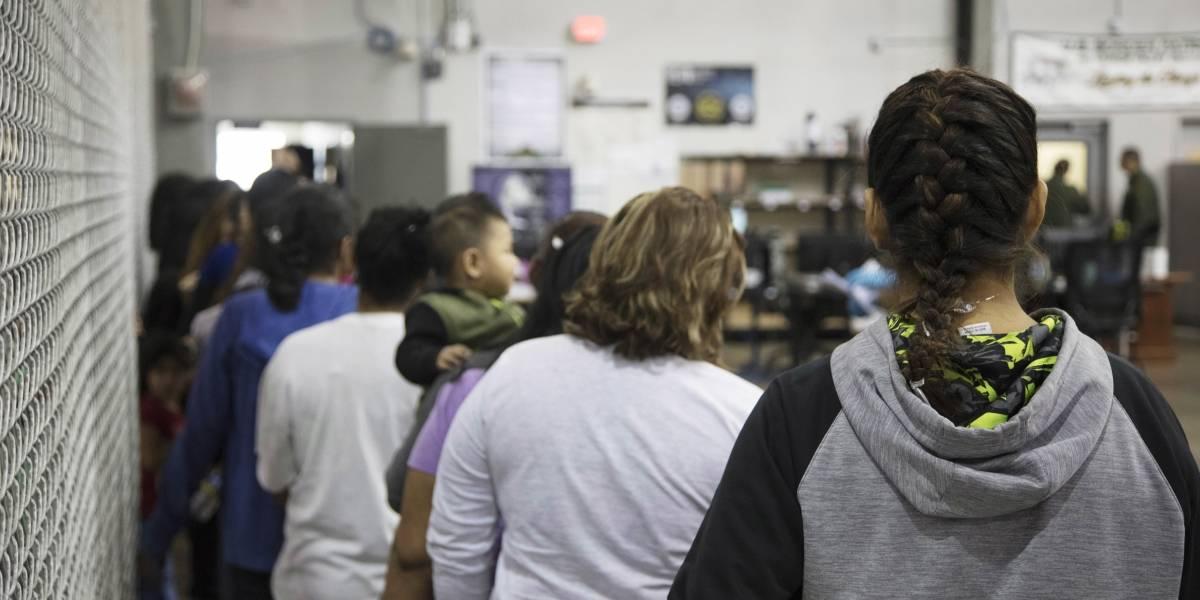 """¿Se puede llegar a más? Autoridades fronterizas de EEUU usan a los niños inmigrantes como """"moneda de cambio"""""""