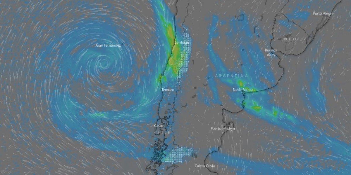 """Meteorólogos advierten presencia de """"sistema fuerte"""" que podría traer nieve a la R. Metropolitana el próximo fin de semana"""