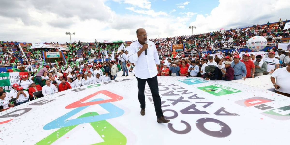 René Juárez sereúne con cientos de miles de priistas en favor de Meade