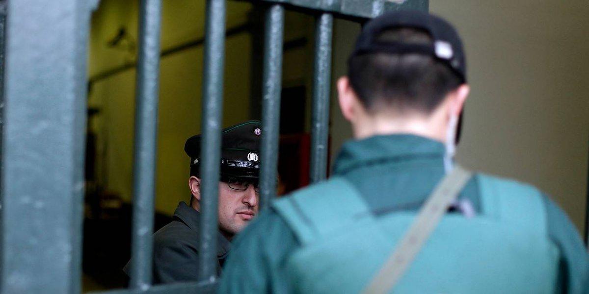 """Tras torturas a ecuatorianos: gendarmes analizan paro por formalización a funcionario pero el Gobierno no acepta """"ultimátum"""""""