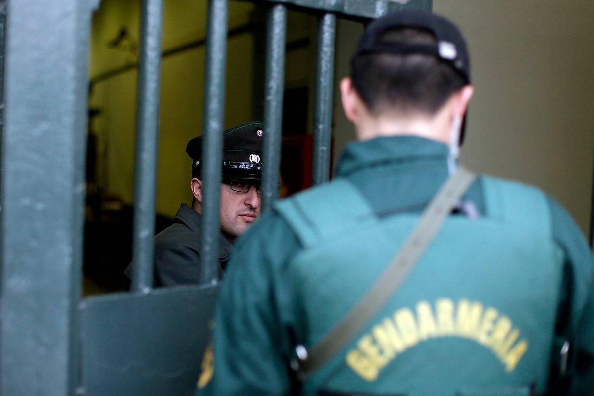 tras torturas a ecuatorianos gendarmes analizan paro por