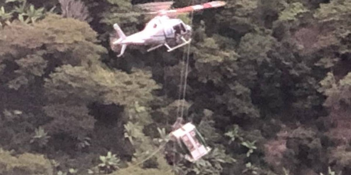 La familia paisa que terminó suspendida a 200 metros de altura en un cable aéreo
