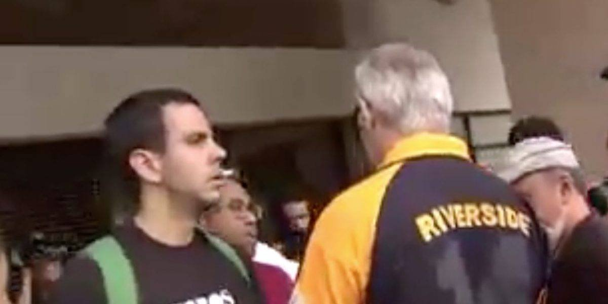Multan a estudiante de la UPR por escupir a profesor