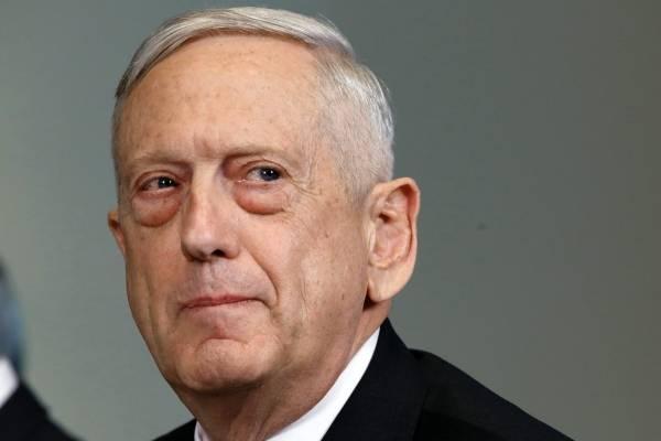 El secretario de Defensa, Jim Mattis