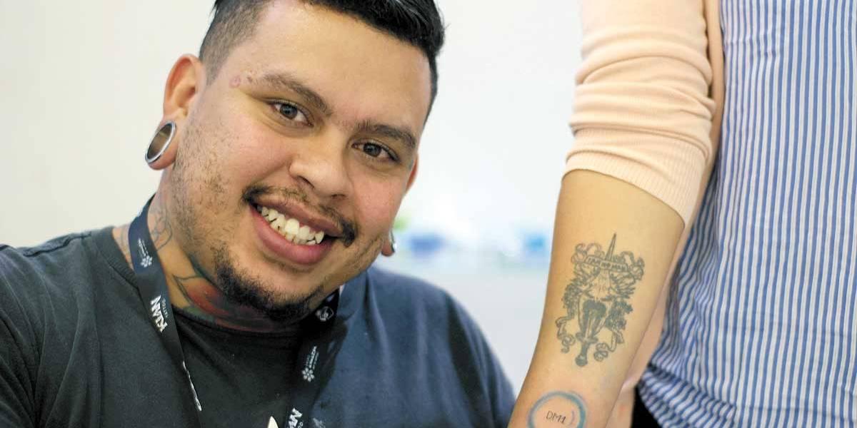 Diabéticos ganham tattoos para identificar doença em casos de emergência