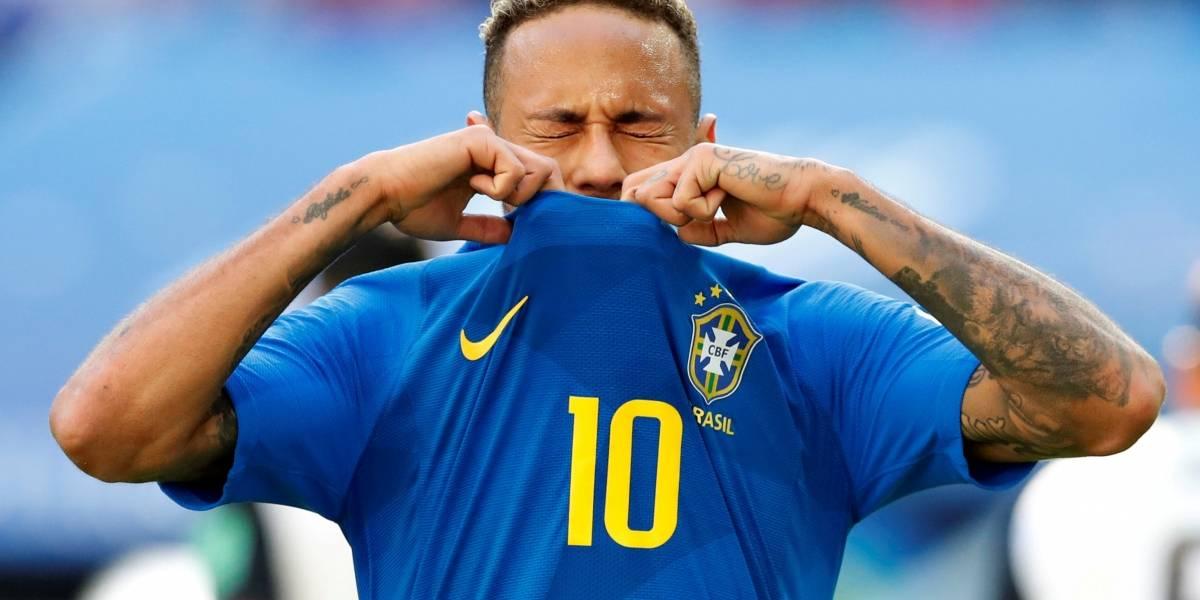 Brasil vai entrar em campo com três jogadores pendurados - inclusive Neymar