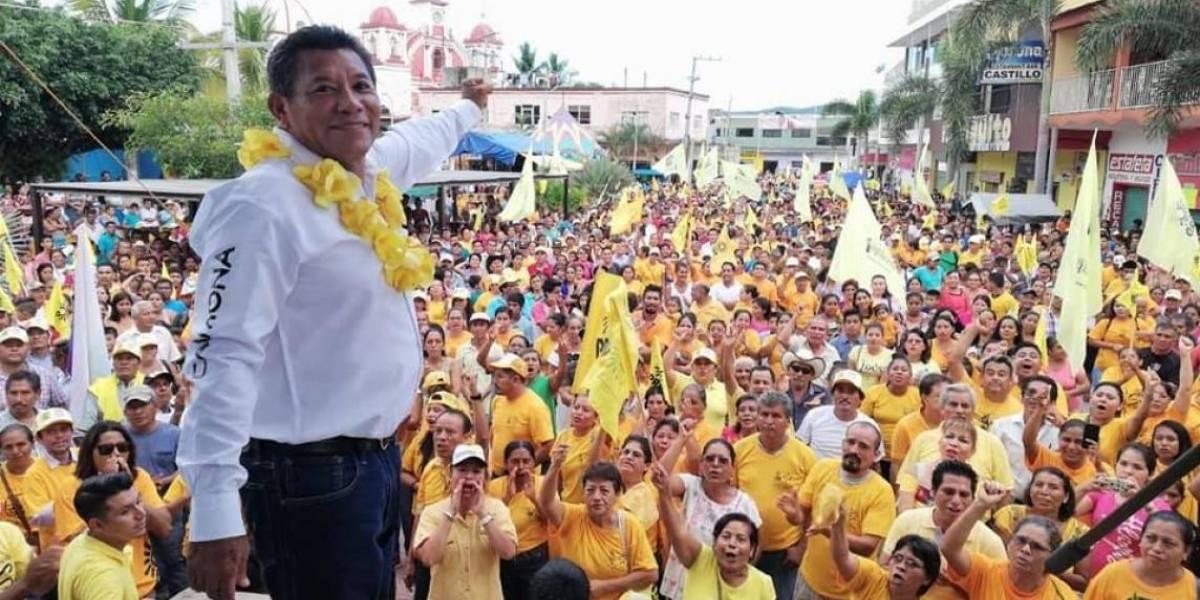 Balean a Raymundo Carmona, candidato del Frente y líder del PRD en Oaxaca