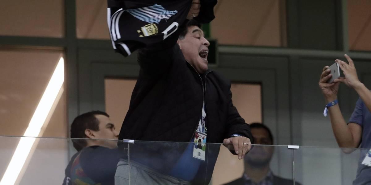 Fiscalía dice que la ambulancia llegó en 12 minutos a la casa de Maradona